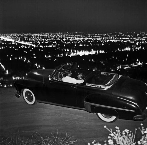 thisisnodream:  A young couple parked on Mulholland Drive, 1951.