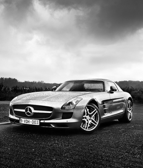 3-0-5:  SLS, wet one by granarturismo on Flickr.