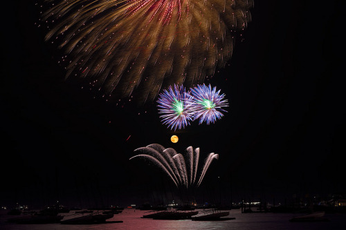 Full Moon and Fireworks over Hyannis Harbor (by joe holmes)