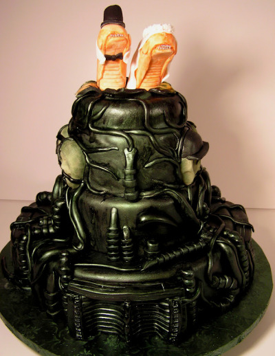 klaatu:  H R Giger inspired Alien Chestburster wedding cake