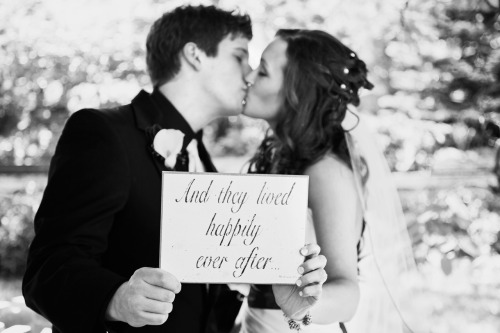 fuckyeahweddingideas:  marielouisephoto submitted: To see more photos please check out my website & blog: http://blog.marie-louise.ca/2012/07/05/taylor-phil-wedding/ http://www.marie-louise.ca