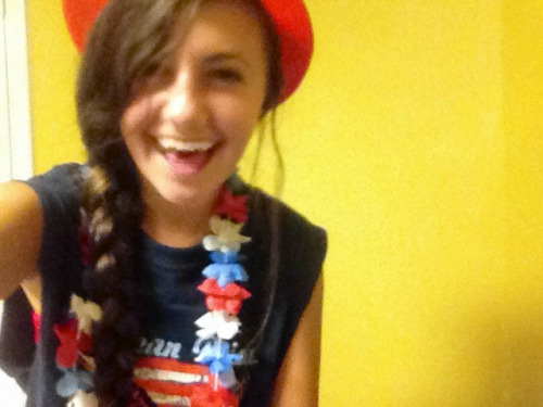 sweet-tacos:  Fourth representing my colorsss  Love America