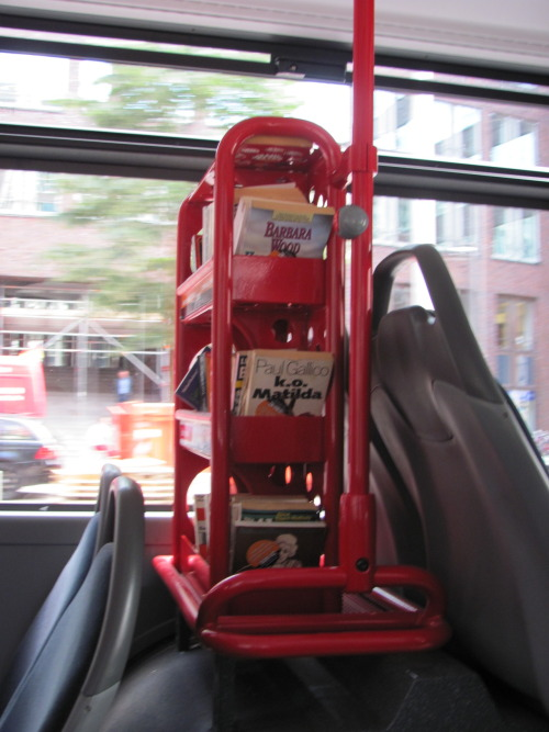 teachingliteracy:  herbstwetter: In Hamburg they have bookshelves in the busses and people can take a book and read while going somewhere. I find this a great idea.