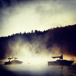 Shadow bay #water #boats #nature #sun  #fog #boat #bay #lake #dark #shadow #trees #tree #hill #sky #cloud #instagood #jj #eavig (Taken with Instagram)