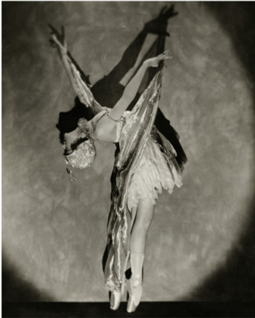 Photo by Nickolas Muray, Vanity Fair, 1923