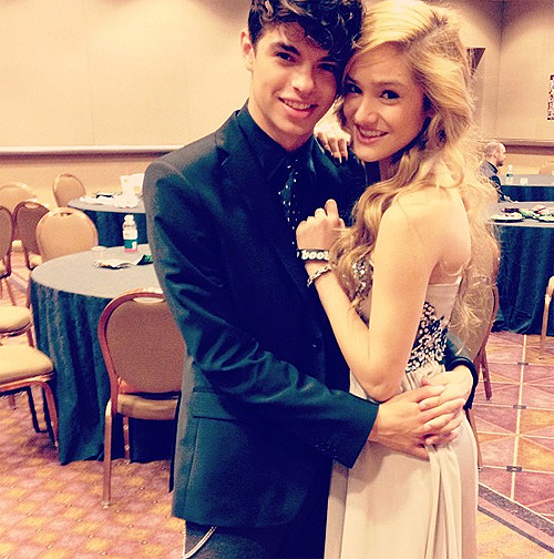 "chachiinspired:  ""Holding on to my stunning girlfriend at the Kartv event. A lot of people won awards there tonight but I got the best one ."""