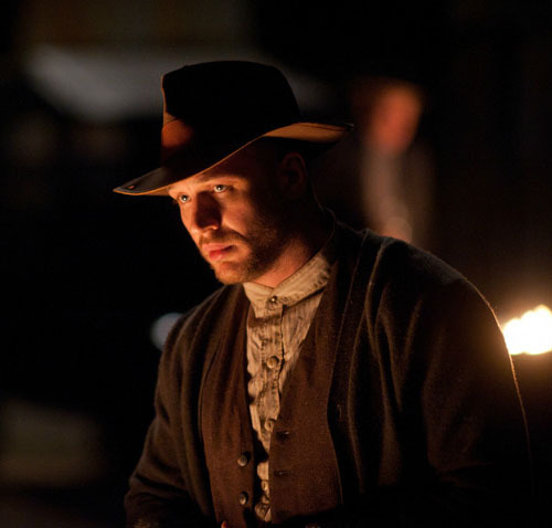 Lawless gets another trailer Lawless has released another muscular trailer online, and you can watch it right here.