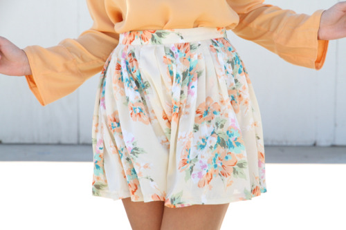 everythingisperfectandbeautiful:  Click here for more Fashion posts <3