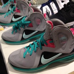 #LeBron #SouthBeach #nike #sneakers #kicks #todayskicks  (Taken with Instagram)