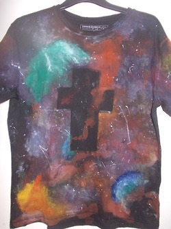 tripped-over-your-ego:  DIY | Galaxy T-shirt.