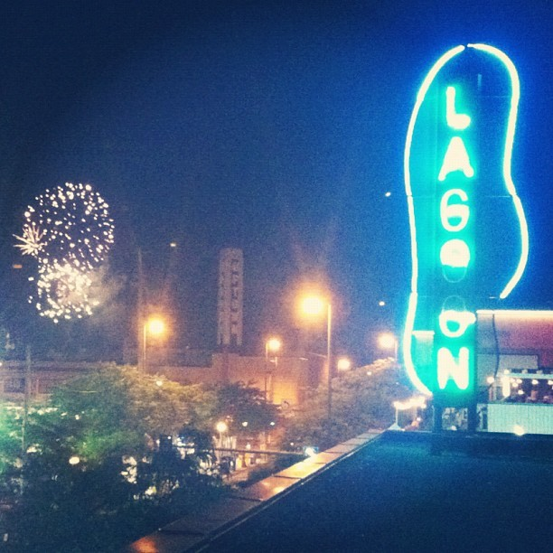 #fireworks and other types of #entertainment in #uptown #mpls  (Taken with Instagram at Lagoon Cinema)