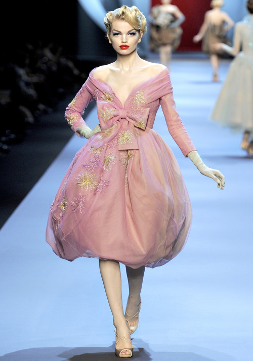 This is one of my favourite collections ever. Dior Couture Spring 2011. Weigh in tomorrow, should be interesting!!