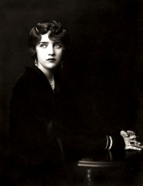 Susan Fleming,  Ziegfeld girl circa 1930 Photograph by Alfred Cheney Johnston.