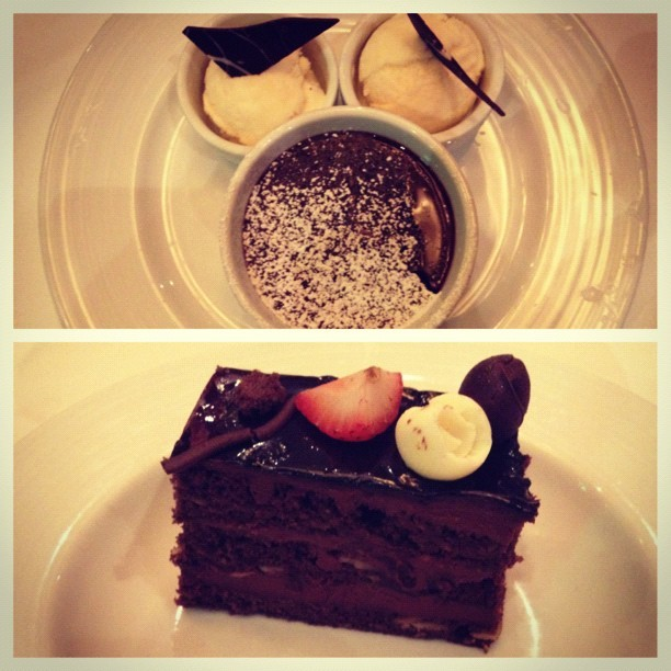 Can't go wrong with chocolate 😍 #desserts #chocolate #cake #warmmeltingcake #rich #delicious #yummy #sweets #yourejealous #fancy #foodgasm (Taken with Instagram)