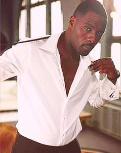 rcmclachlan:  nightlyallaround:  17/50 most attractive men on earth » Idris Elba