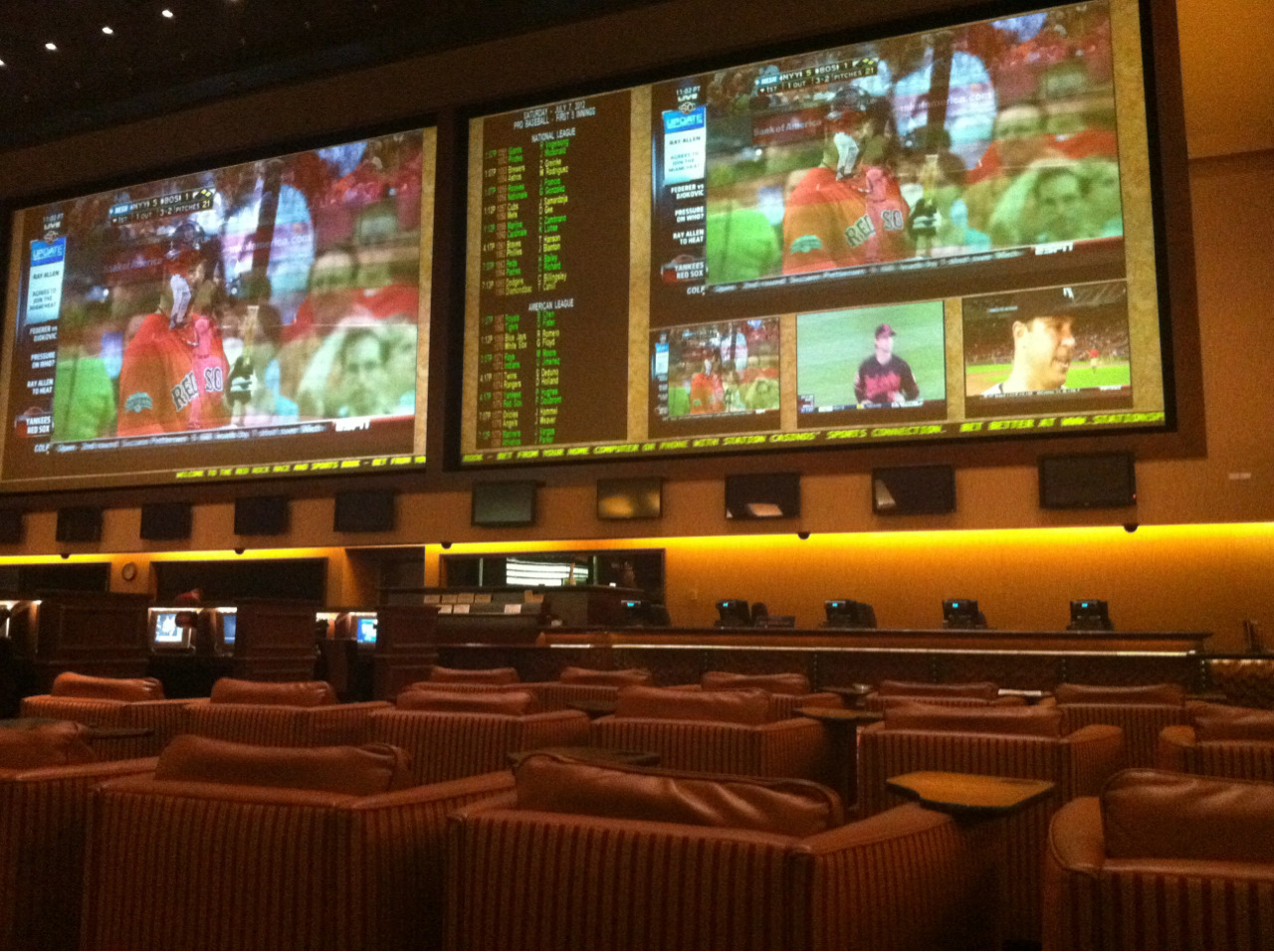Late night at the Red Rock sportsbook. Chillin.