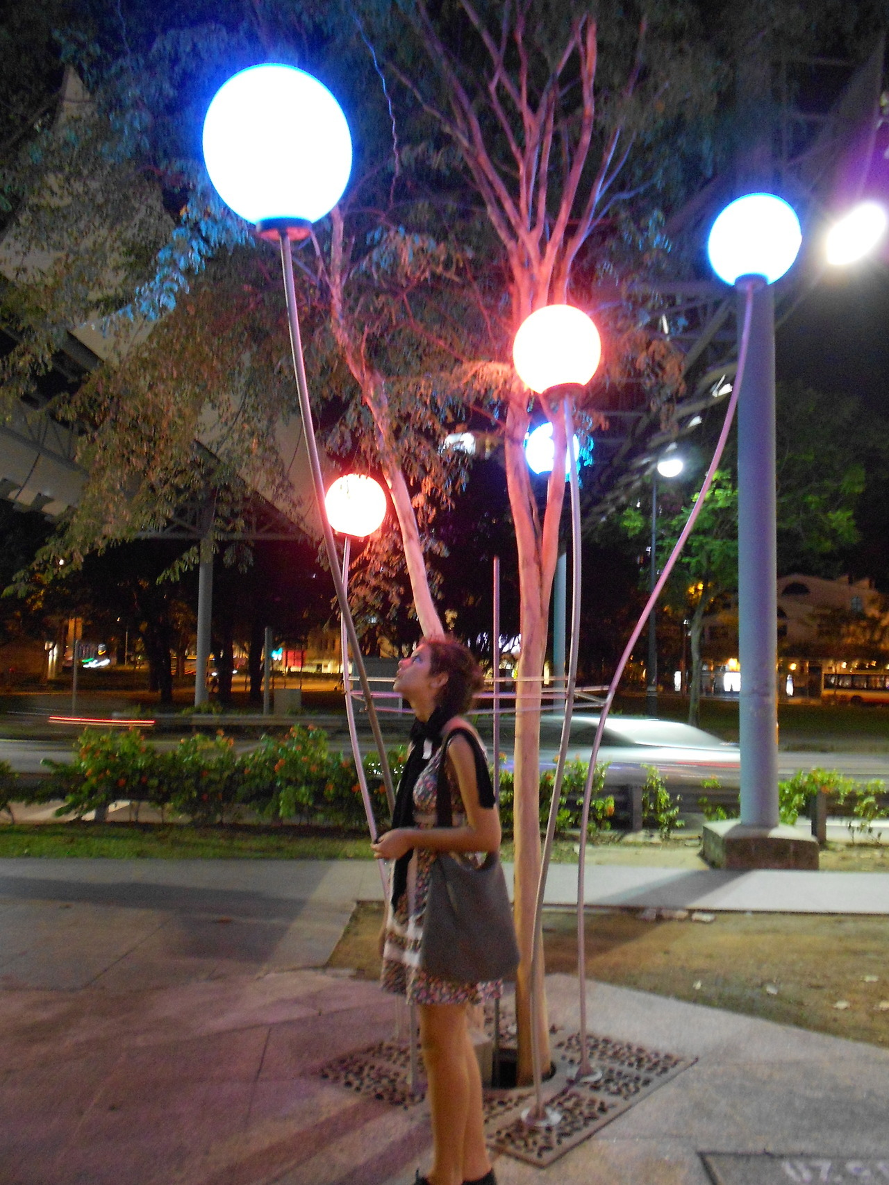 katyavogel:  lollipop trees in Singapore yesterday :)  Welcome to Singapore! :D