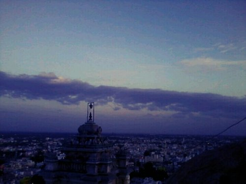 City view »» sunset👆#TamilNadu #sunset #sky #blue #cool #India #streamzoo #allshots #awesome #dslr(from @raghulsam on Streamzoo)