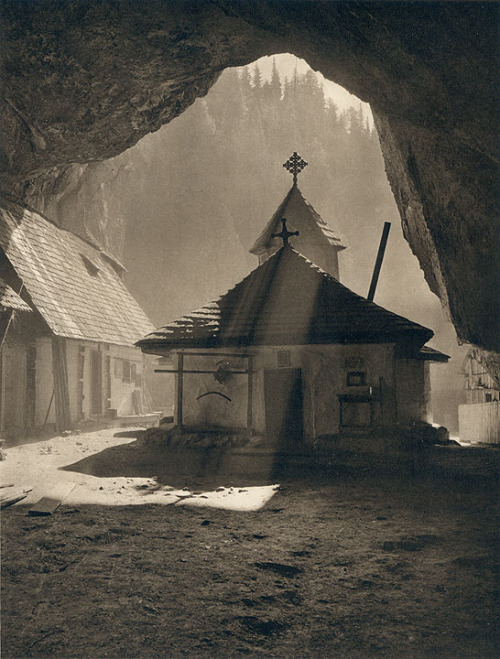 rarething:  Ialomicioara Chapel , 1930s photo by Kurt Hielscher