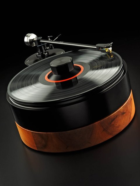 AMG V12 Turntable by Analog Manufaktur Germany