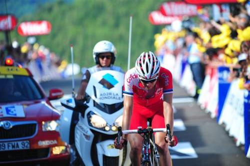 Taaramae crosses the line in fifth place at stage 7 of the 2012 Tour de France Photo: © Sirotti (via Tour De France 2012: Photos | Cyclingnews.com)