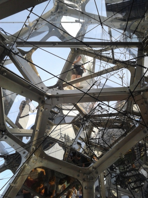 Tomàs Saraceno, Installation view at Metropolitan Museum in New York.