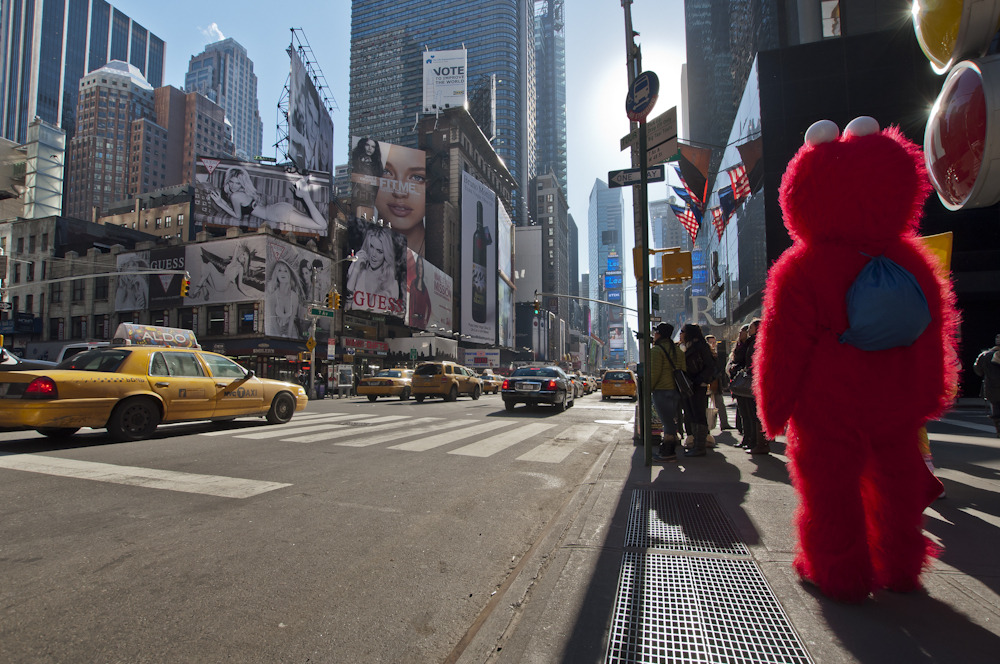 Elmo lost on Times Square, NY
