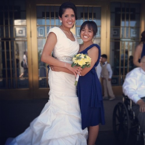 dash mah girrrl!! 😊✨#beautifulbride #maidofhonor (Taken with Instagram at Draper Utah Temple)
