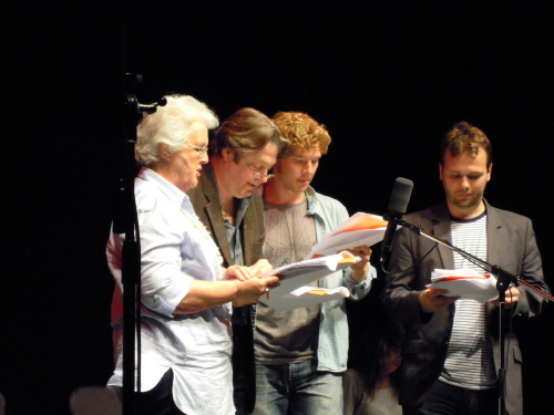 design4living:  at the Cabin Pressure series 3 recording…sorry about the poor quality…