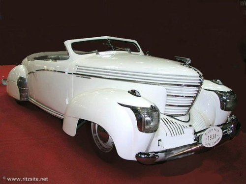 lonestarchef:  1938 Graham Shark Nose. And, it looks like it's been chopped.