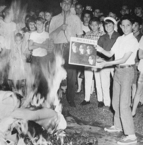 weiyulive:  Christian teens burn their Beatles record, 1946