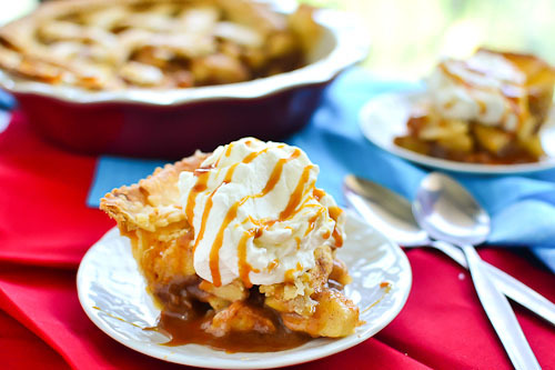 gastrogirl:  old fashioned apple pie.