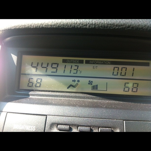 113 degrees after sitting in the sun for a couple hours. Summatime in Illinois is cray! http://instagr.am/p/My7HUED1Jx/