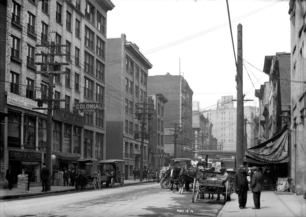 Unit block of Water Street, Sunday 15 May 1914 Source: City of Vancouver Archives #LGN 987