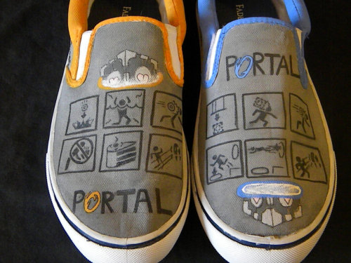 Custom-Painted Portal-Themed Shoes  Hmmm… size 9, you say? That just happens to be my size…