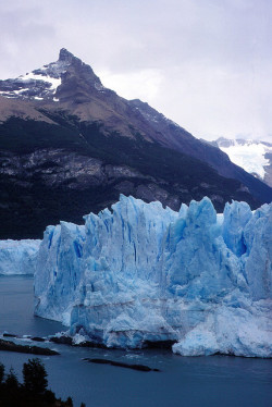 Glaciar Perito Moreno by Mono Andes on Flickr.
