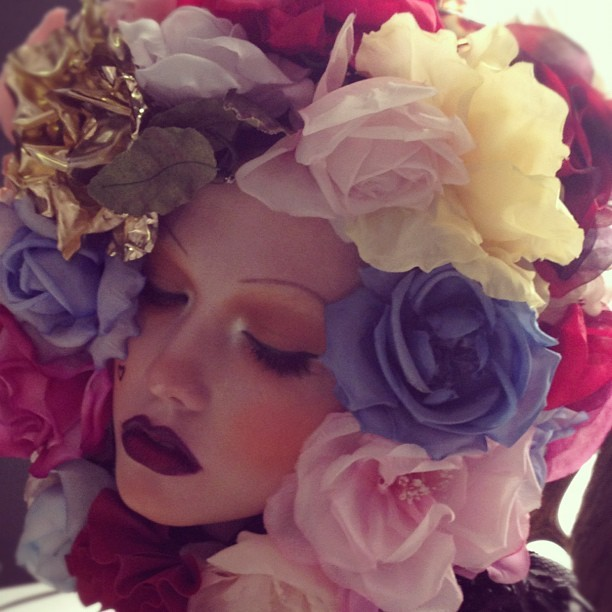 Karlie Kloss in an amazing flower head piece by Sam McKnight. SHOWstudio and W magazine Haute Couture sittings , Paris 2012.