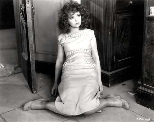 Clara Bow http://vintageeveryday.wordpress.com ]]>