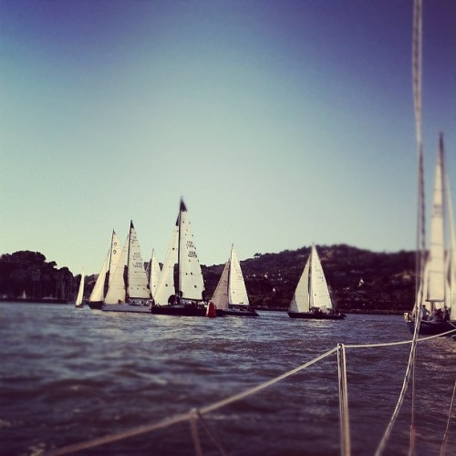 CYC Friday Night Races | #sanfrancisco #yacht #club #water #boats #igers #igers_sf   (Taken with Instagram at Corinthian Yacht Club)
