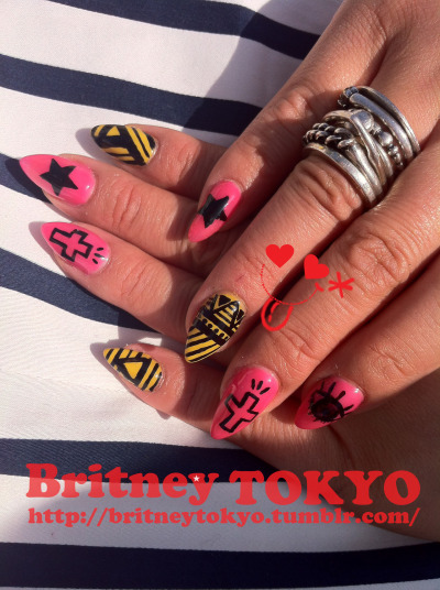 Pointed shape/ Hand painted nail art By Britney TOKYO ☆ ✌ ✿ ✡ ✟ ☺ ✞ TOKYO meets HOLLYWOOD ✞ ☺ ✟ ✡ ✿ ✌ ☆ http://britneytokyo.tumblr.com/