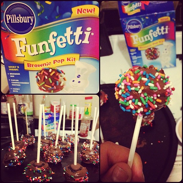 I baked brownie cake pops ! ☺ #Pillsbury #brownie #cakepop #chocolate #sprinkles #yum 💋 (Taken with Instagram)