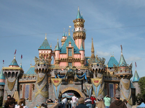 Day 15: Favorite castle/icon.   Sleeping Beauty's Castle. I gotta go with what I think is the original and most important Disney icon. It's beautiful. The minute I see it I smile knowing that I'm in Disneyland!