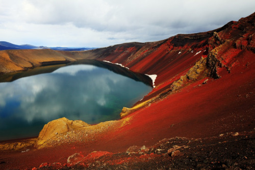 just-breezy:  Fiery lava sand around Ljótipollur (by Thomas Rawyler)