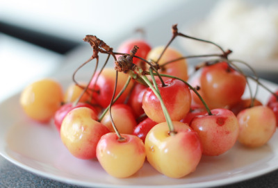 gettingahealthybody:  Rainer Cherries!
