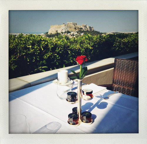 Breakfast at our hotel ( the great Grande Bretagne) overlooking the Acropolis!LOVE this vase/ jam holder.kisses Inez