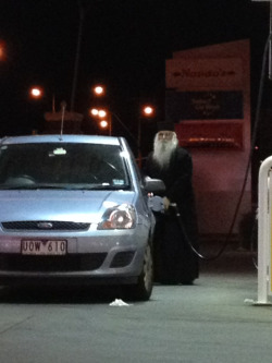 hogs-mede:  laughcentre:  I was out yesterday and I saw Dumbledore just casually getting gas  expecto petroleum ></a><div id=