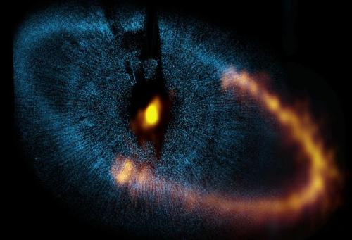ALMA observes a ring around the bright star Fomalhaut ALMA (ESO/NAOJ/NRAO). Visible light image: the NASA/ESA Hubble Space Telescope