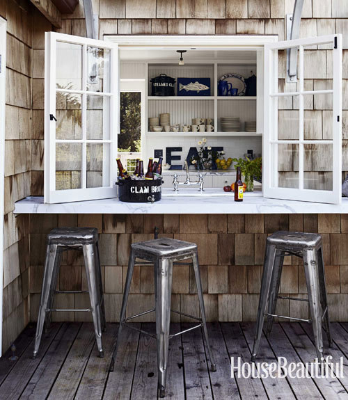 georgianadesign:  Cookout perfect beach cottage designed by Erin Martin. House Beautiful.