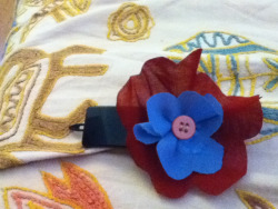I made the flower on the clip  Ask if you want a tutorial !!