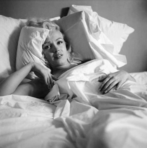 alwaysmarilynmonroe:  Marilyn photographed by Milton Greene in October 1953.